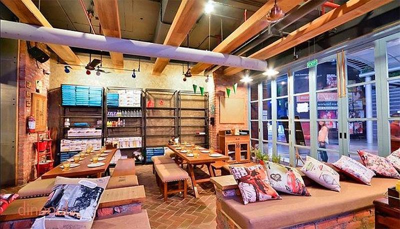 Cafe Delhi Heights DLF Cyber City