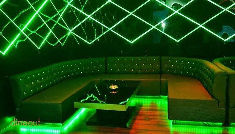 Club London Saket