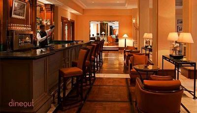 Savannah Bar - Radisson Blu Plaza Delhi