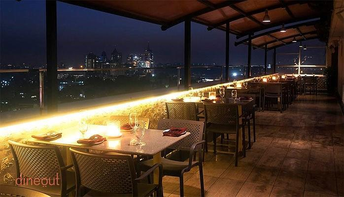 Top 10 romantic restaurants in bangalore dineout for 13th floor ebony bangalore restaurant