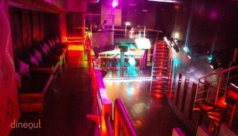 Reverb Club & Lounge Sector 38A