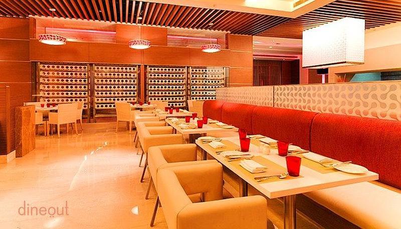 Cross Avenue - Radisson Blu Hotel, Greater Noida Greater Noida