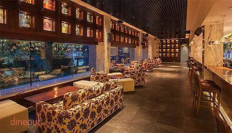Oak Lounge - Marriott Suites Pune Koregaon Park
