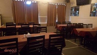 Royal Punjab Restaurant & Bar - Hotel HMR Royal Inn